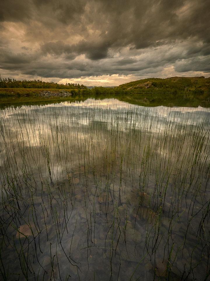 Gjeveluftvatnet ved Neverfjord nå i kveld.